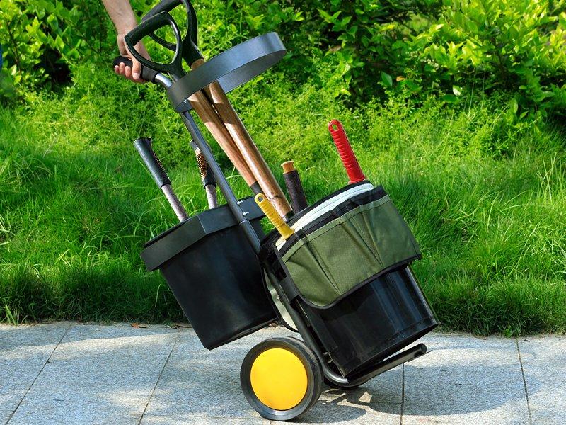 Using Proper Ergonomic Garden Tools